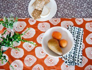 K still life table setting